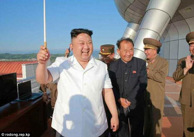 Vũ khí đáng sợ không kém của Triều Tiên ngoài tên lửa đạn đạo - 1