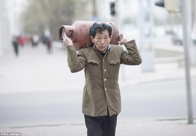 """Chuyên gia Triều Tiên thừa nhận đang """"ngấm đòn"""" trừng phạt - 1"""