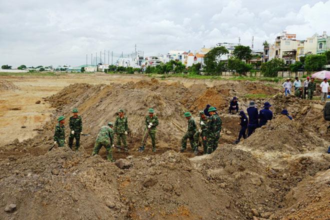 Toàn cảnh tìm hài cốt liệt sĩ ở sân bay Tân Sơn Nhất - 1