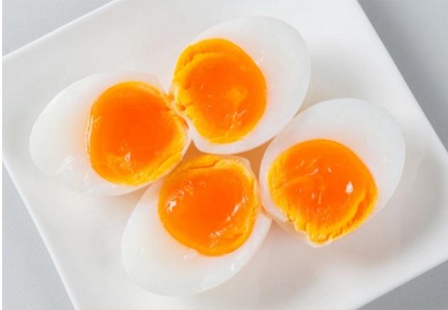cách luộc trứng gà lòng đào   Món Miền Trung