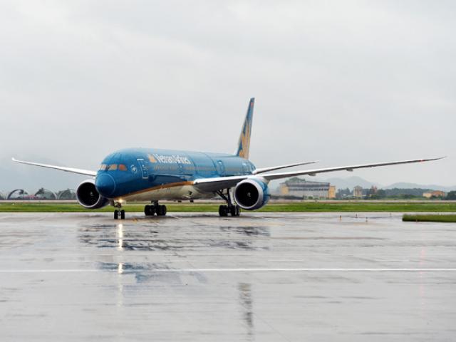 Mưa dông lớn tại Nội Bài, nhiều chuyến bay không thể hạ cánh