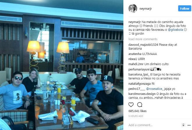 """Chuyển nhượng """"bom tấn"""": Neymar ăn trưa ở Dubai, chuẩn bị kiểm tra y tế đến PSG - 1"""