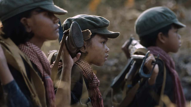 """Phim """"dùng tiền dụ trẻ em"""" của Angelina Jolie tung video đầu tiên - 1"""