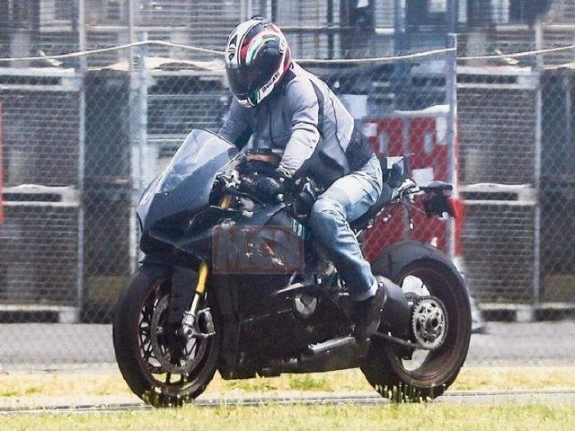 Siêu mô tô động cơ V4 của Ducati sắp trình làng
