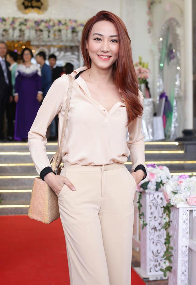 """Ngân Khánh dự đám cưới Lê Phương sau 2 năm """"ở ẩn"""" - 1"""