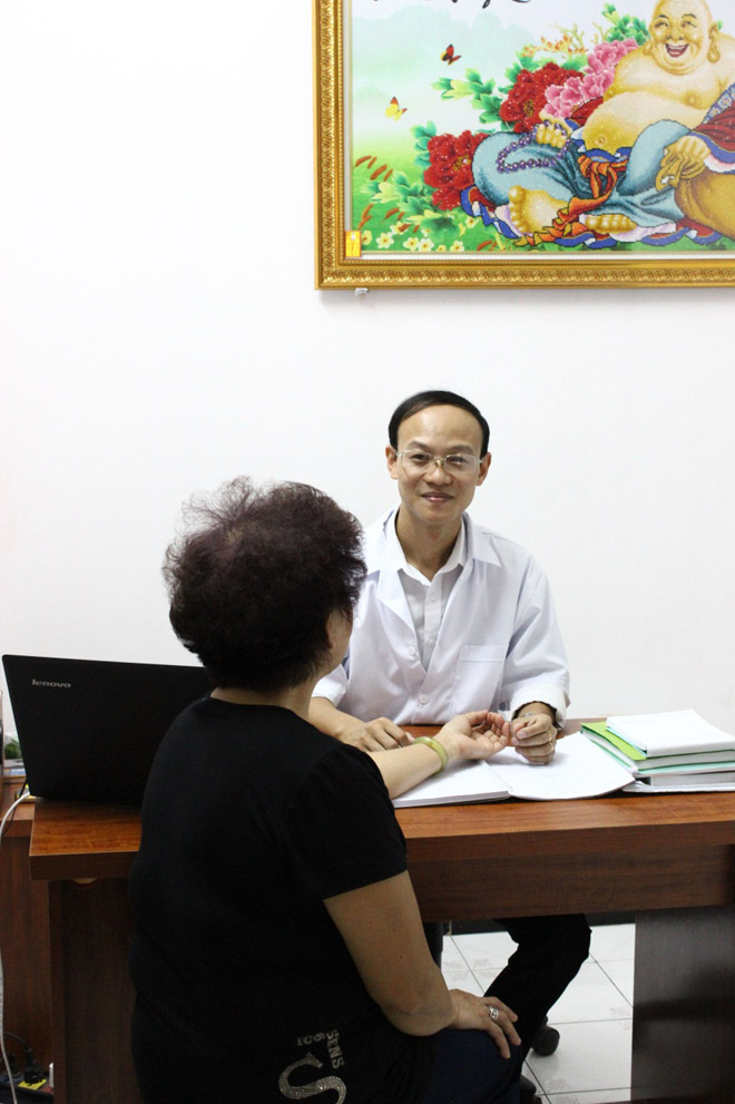 Đi tìm vị thầy thuốc nổi tiếng chữa bệnh đau xương khớp, vai gáy, cột sống - 1