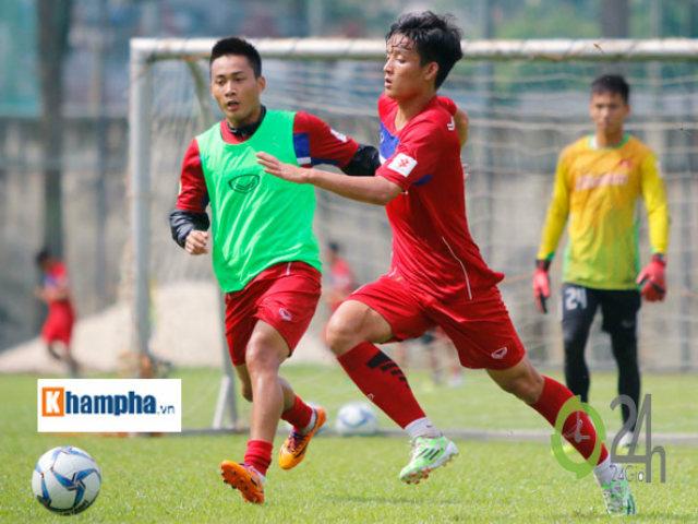 """U22 Việt Nam """"luyện công"""" giữa trưa nắng, đấu """"đàn em Ronaldo Campuchia"""""""
