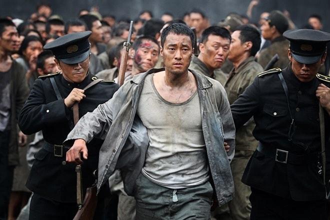 """Chồng Song Hye Kyo lép vế đàn anh trong """"Đảo địa ngục"""" - 1"""