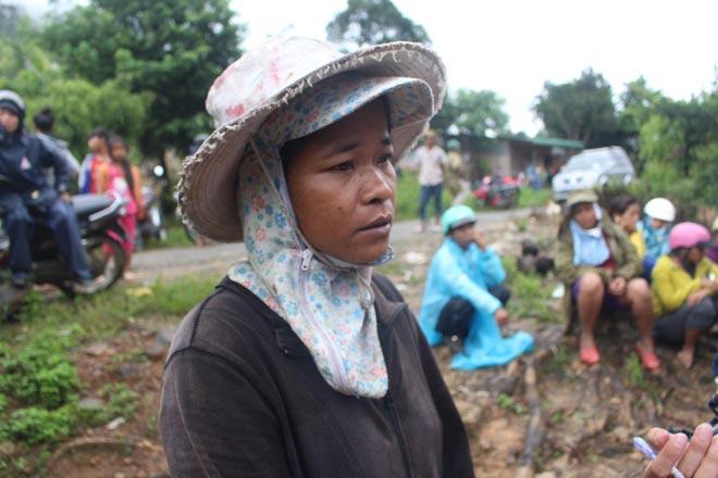 Vụ nổ 6 người chết ở Khánh Hòa: Nước mắt hòa nước mưa đưa tiễn - 1