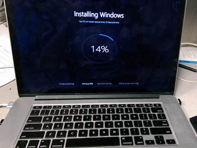 Mẹo lạ: Cài đặt Windows 10 cho máy tính bằng... smartphone Android