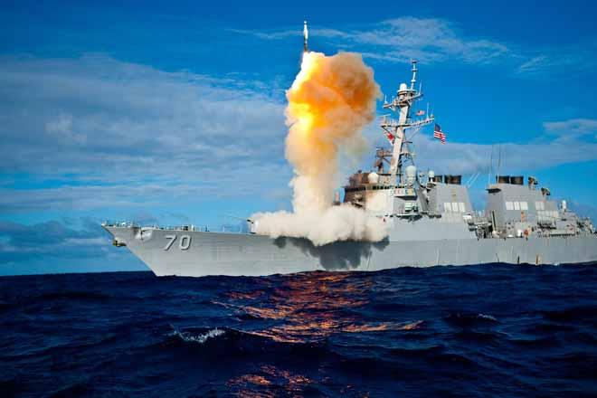 Lộ diện kẻ thù lớn nhất khiến Mỹ vừa mất hai tàu chiến - 1