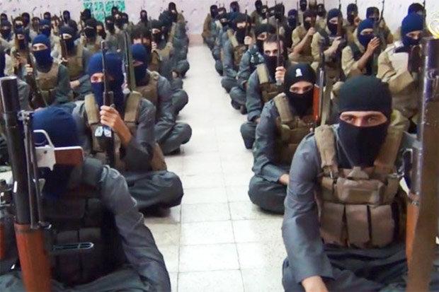 """Khủng bố IS khai được """"trả lương"""" bằng nô lệ tình dục - 1"""