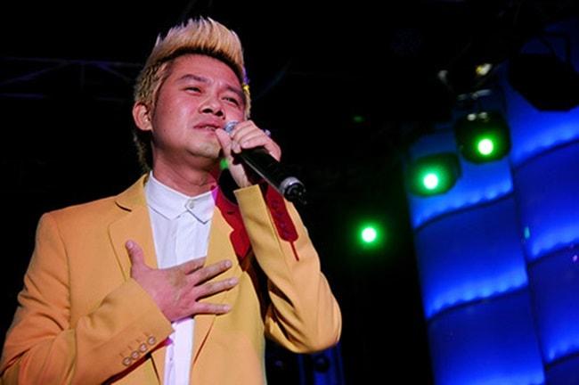 Nam ca sĩ Mai Quốc Huy cũng rơi vào cảnh khốn đốn vì nợ nần.