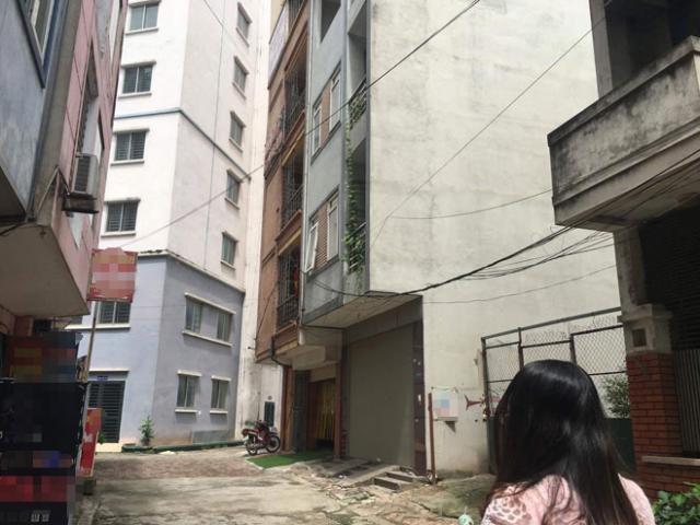 HN: Bàng hoàng phát hiện 3 mẹ con chết bất thường trong nhà nghỉ