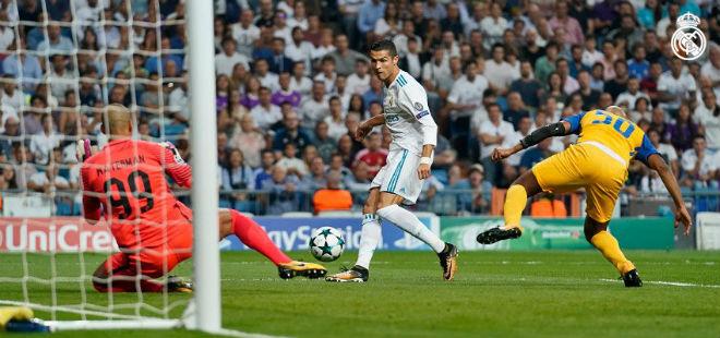 """Real Madrid - APOEL: """"Cơn điên"""" của Ronaldo - 1"""