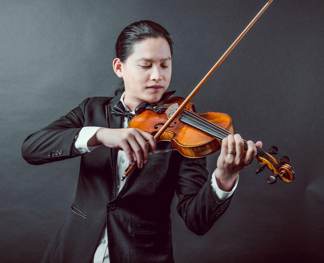 """Nghệ sĩ violin Anh Tú: """"Ai mê nhạc Hàn chắc chắn sẽ soi xét tôi kỹ lắm"""" - 1"""