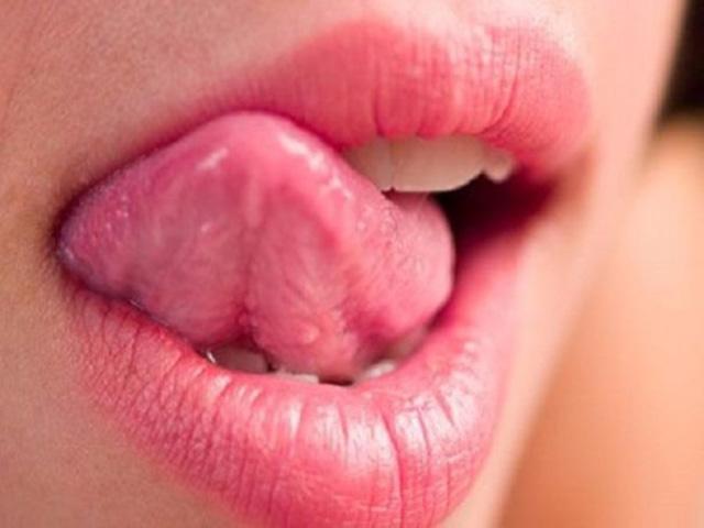 Bệnh lạ: Thấy vị ngọt trong miệng mỗi khi nghe tên sếp