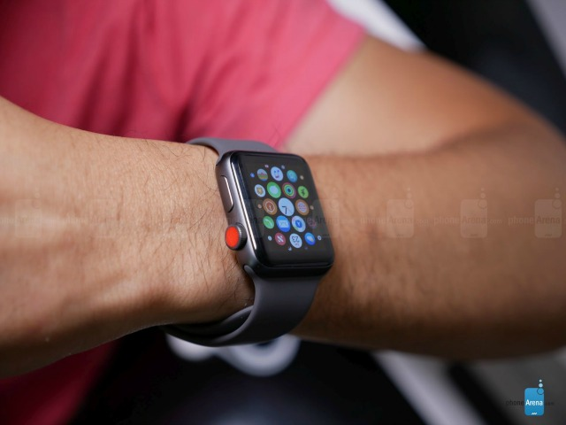 Video: Mở hộp đồng hồ Apple Watch Series 3