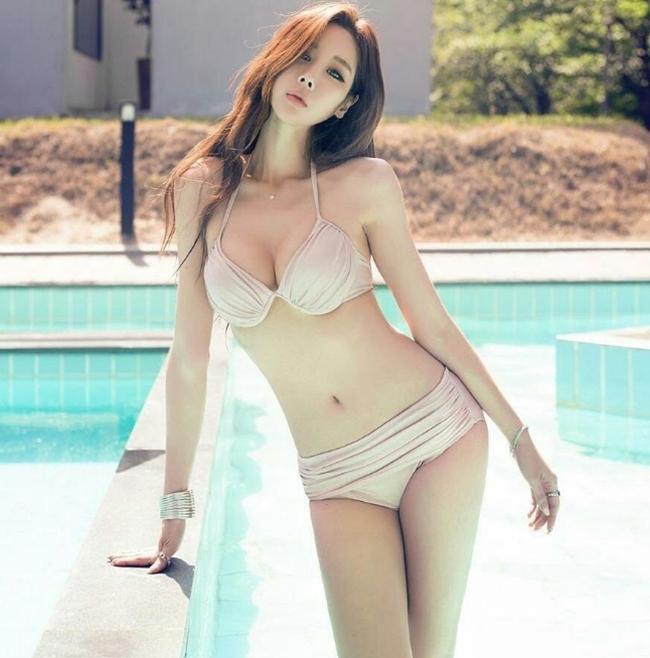 Phụ nữ Hàn cũng rất chuộng phẫu thuật thẩm mỹ song với công nghiệ hiện đại, mọi thứ đều trông rất tự nhiên.