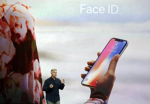 NÓNG: Apple thú nhận giới hạn Face ID của iPhone X - 1