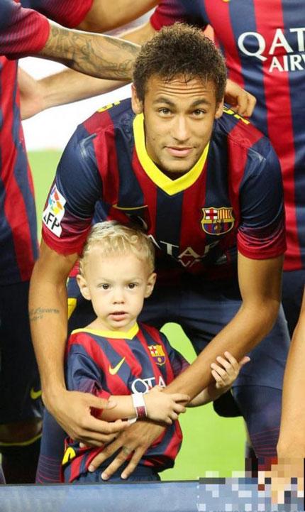 """Dàn mỹ nhân nóng bỏng từng """"qua tay"""" danh thủ 6 nghìn tỷ Neymar - 1"""