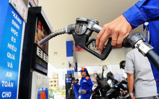 Tăng thuế xăng dầu sẽ đẩy giá cả cuối năm tăng mạnh - 1
