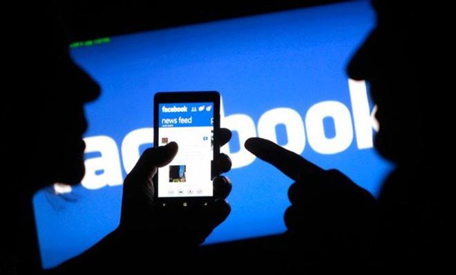 """Choáng váng vì chồng tối ngày lên Facebook """"bóc mẽ"""" vợ - 1"""