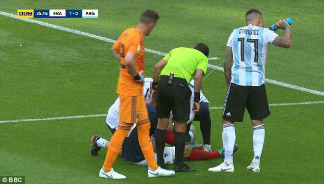 """""""Đồ tể"""" Argentina đá xấu nhất World Cup: Pepe cũng """"hãi"""", fan đòi cấm 10 trận - 1"""