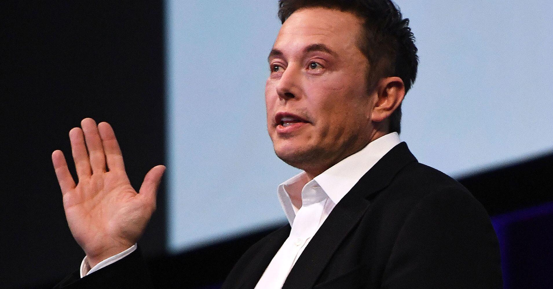 """Trước khi thành công, """"người sắt"""" Elon Musk từng """"khổ sở"""" đến thế này! - 1"""