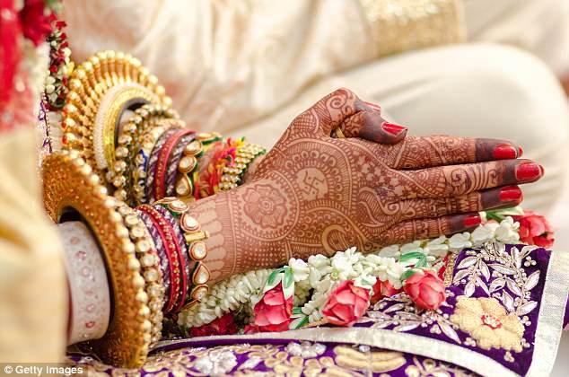 Cô dâu hủy hôn ngay khi đang cưới vì chú rể yếu đuối trước tiếng sét đánh - 1