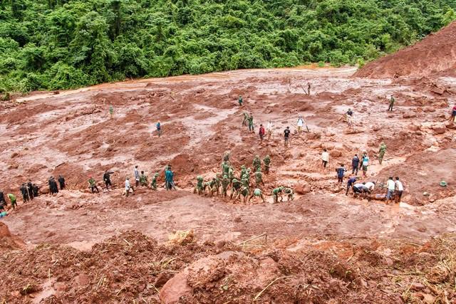 Lai Châu: Hơn 50 bản vẫn cô lập sau lũ, nguồn lương thực đang cạn kiệt - 1