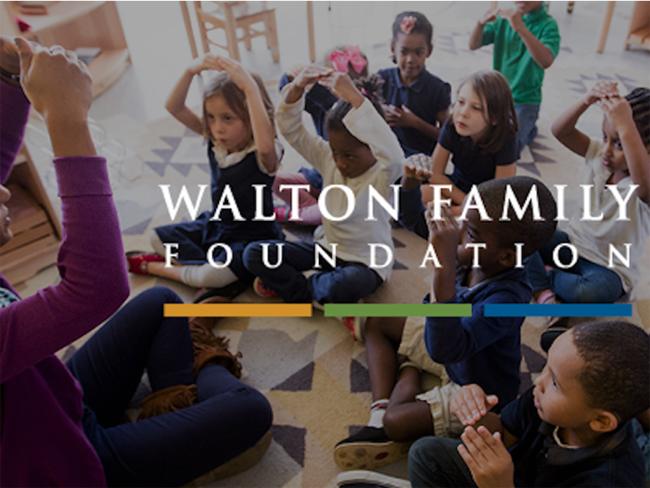 Tháng 1/2016, Alice đã quyên góp 3,7 triệu cổ phiếu của mình, trị giá 225 triệu USD cho quỹ từ thiện của gia đình - Walton Family Foundation. Quỹ này đã chi ra 530 triệu USD cho các hoạt động từ thiện vào năm ngoái.