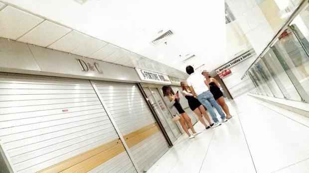 Nhức nhối nạn mại dâm tại khu phố sầm uất bậc nhất Singapore - 1
