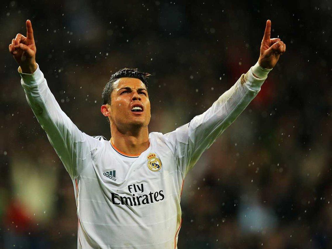"""Thất bại ở World Cup nhưng ai cũng phải """"nể"""" độ giàu có của Cristiano Ronaldo - 1"""