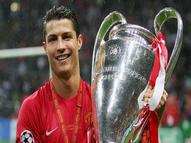 """Ronaldo đến Juventus, không về MU: Mourinho """"cấm cửa"""" CR7 & sự thật hé lộ"""