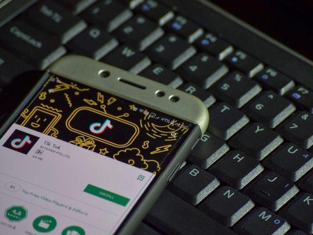 Chứa nội dung khiêu dâm, ứng dụng Tik Tok bị cấm cửa