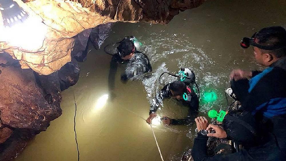 Thợ lặn đặc nhiệm SEAL thiệt mạng khi vào hang cứu đội bóng Thái Lan - 1