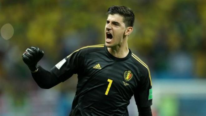 """Bỉ hạ Brazil vào bán kết World Cup: """"Người nhện"""" hạ Neymar, dễ ẵm Găng tay Vàng - 1"""