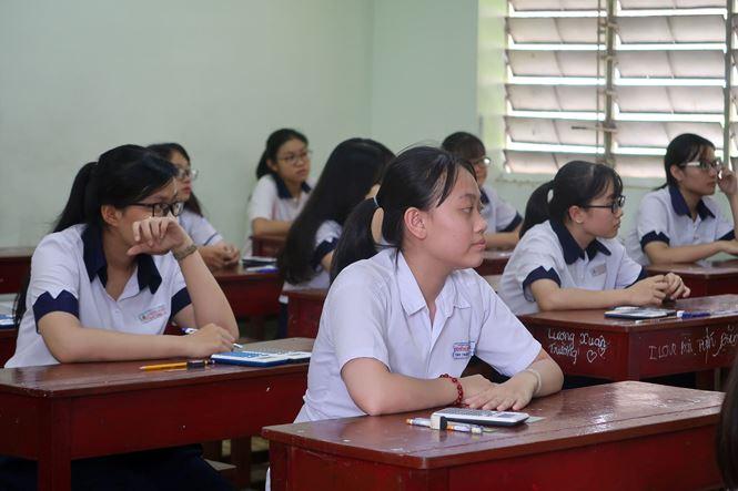 TPHCM có điểm 10 môn Toán kỳ thi THPT Quốc gia - 1