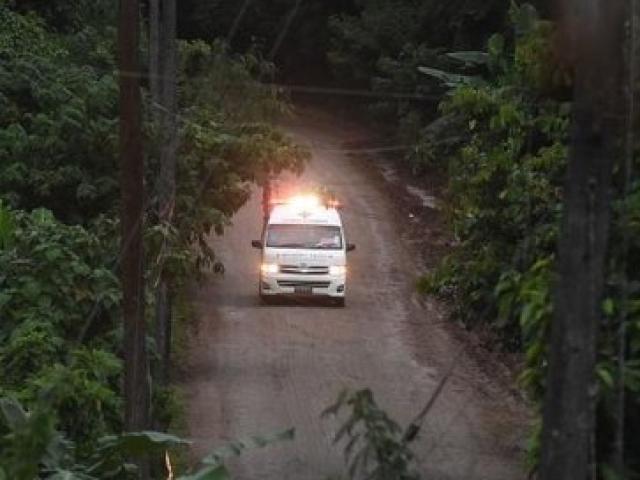 Báo Thái Lan: HLV đội bóng kẹt hang được giải cứu trước vì yếu nhất