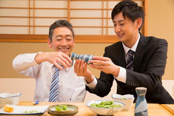 Bảo vệ đại tràng cho người hay uống rượu bia theo cách của người Nhật - 1