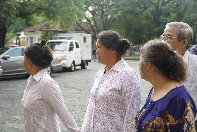 Đang xét xử vụ thảm sát 5 người một gia đình ở Bình Tân - 1