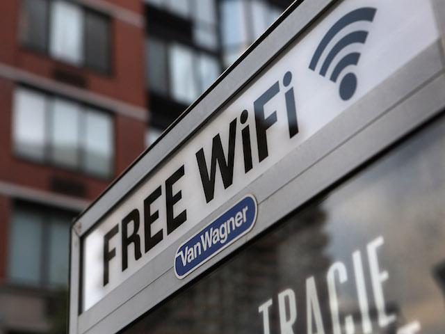 Bí kíp giúp bạn an toàn khi sử dụng Wi-Fi công cộng