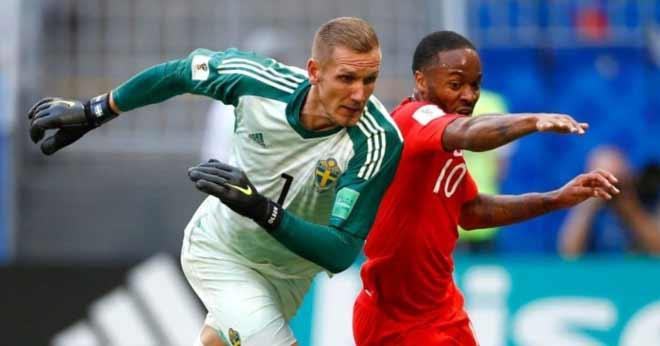 """Nước Anh chia rẽ: Sterling """"chân gỗ"""" quá nhiều, Beckham phải lên tiếng - 1"""