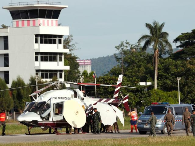Tình hình mới nhất của 8 thành viên đội bóng Thái Lan vừa được cứu