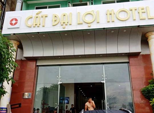 Phó Chủ tịch TP Sầm Sơn thông tin về vụ khách sạn bị tố đuổi khách giữa đêm - 1