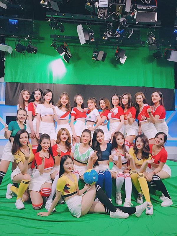 """Hé lộ bí quyết dưỡng da """"kinh điển"""" của các hot girl World Cup 2018 - 1"""