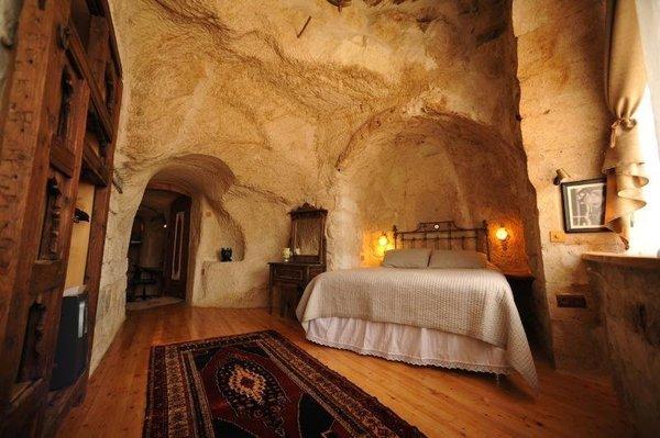 Mùa hè mà được trốn nóng trong 18 hang động đẹp như cổ tích thì còn gì bằng - 1