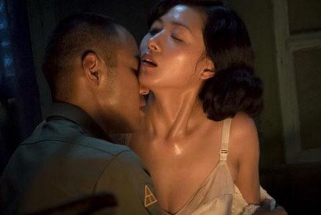 Tuy nhiên, vì có quá nhiều cảnh nóng, tác phẩm này đã chịu sự kiểm duyệt gắt gao từ Cục điện ảnh Trung Quốc.