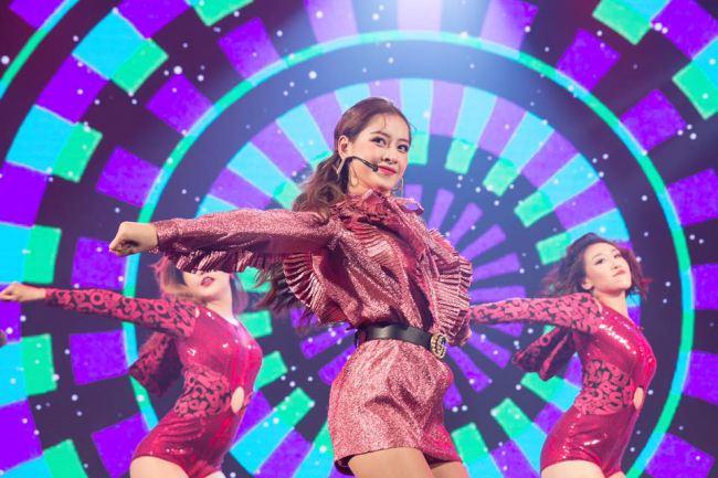 Chi Pu khoe vũ đạo nóng bỏng bù đắp cho giọng hát - 1